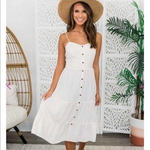 Adorable Midi dress.